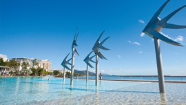 Hotels with family rooms in Cairns
